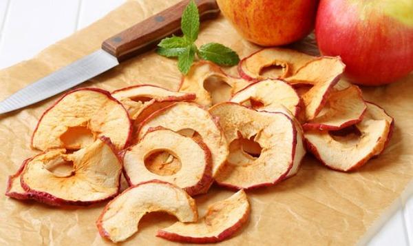 Сушеные яблоки входят в рацион грызунов